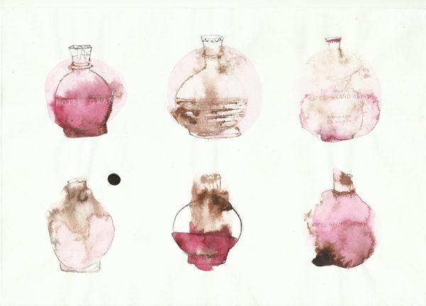 Шесть бутылок шампуня отеля Grand Asiyan